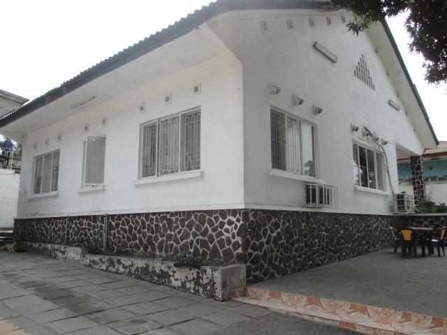 A vendre maison villa limete kinshasa maison for Achat maison kinshasa