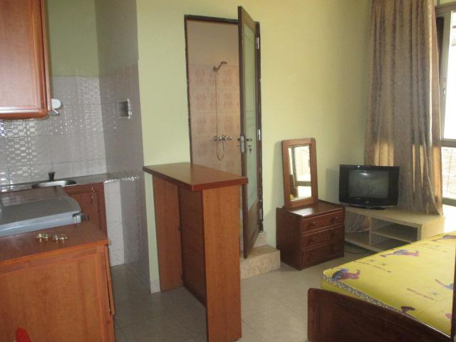 appartement a louer kinshasa gombe studio meubl. Black Bedroom Furniture Sets. Home Design Ideas