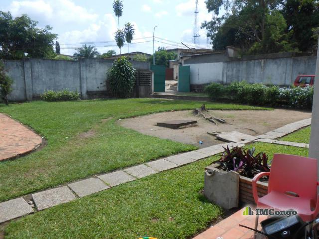 Autre b timent a vendre kinshasa ngaliema concession for Construire une maison a kinshasa