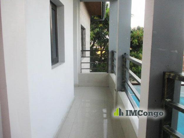 Furnished apartment - Neighborhood Bisengo