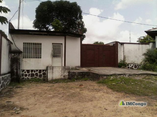 Terrain parcelle a vendre kinshasa mont ngafula for Construire une maison a kinshasa