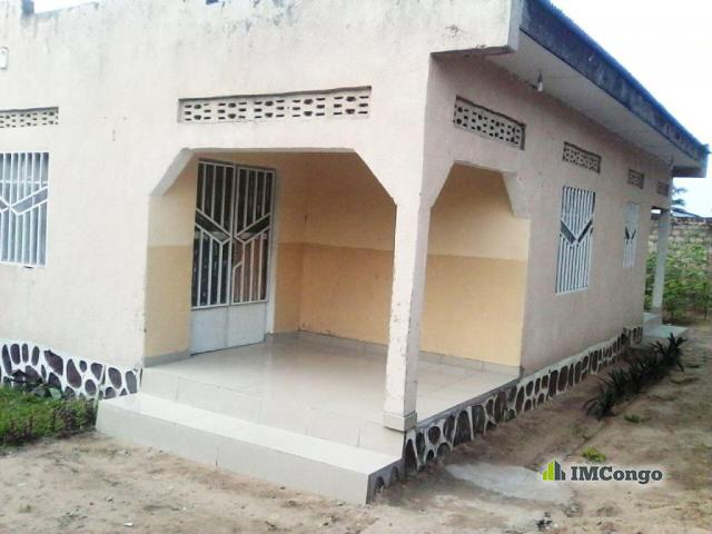 Maison villa a louer kinshasa selembao maison for Construire une maison a kinshasa