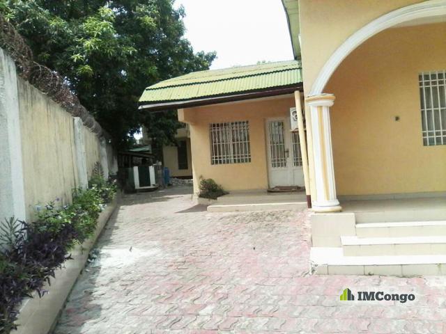 Maison villa a louer kinshasa lemba maison quartier for Location maison tours sud