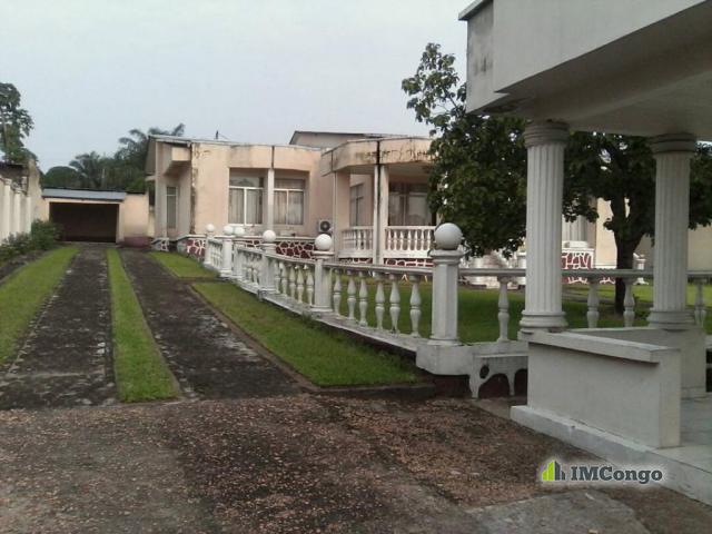 Maison villa a vendre kinshasa mont ngafula villa for Construire une maison a kinshasa