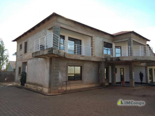 maison villa a louer lubumbashi kampemba maison joli. Black Bedroom Furniture Sets. Home Design Ideas