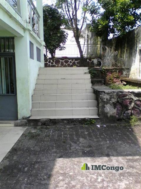 Maison villa a louer kinshasa ngaliema maison for 8 maison parc court