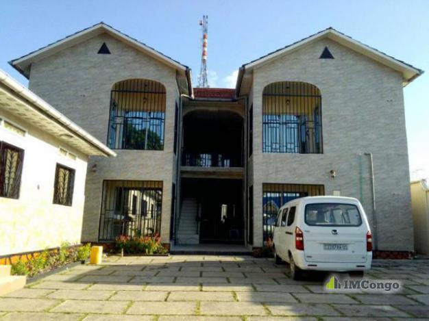 Maison villa a louer kinshasa ngaliema appartement for Louer appartement maison